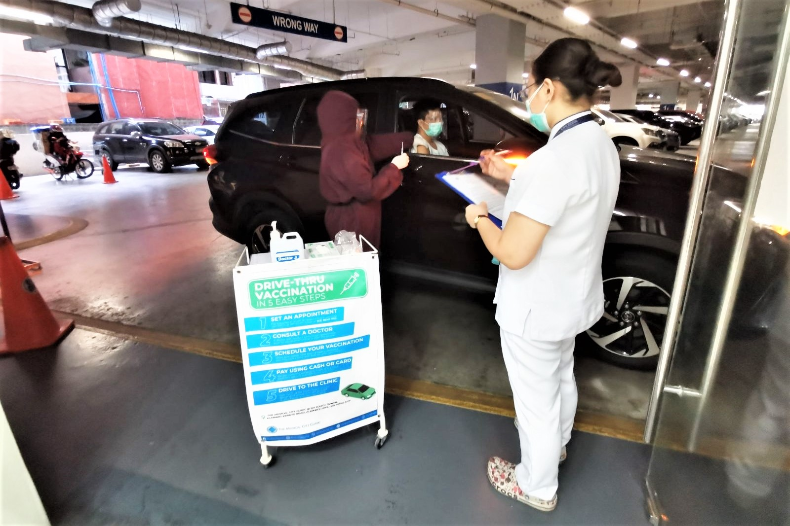 Drive-Thru Vaccination at The Medical City Clinic @ SM South Tower